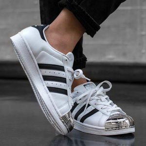 🆕 ADIDAS Originals Superstar Fashion Sneakers
